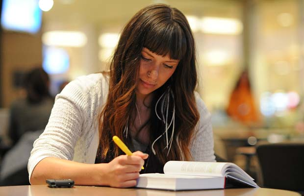 parents writing college essays The college essay writing service that gets you the best essays and advice you need the success in writing college essays is an important priority for academic success, although much also, you may ask for help from your fellow students or parents, who can also take a look at your essay.