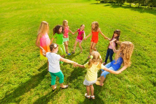 знакомство детей друг с другом в игре
